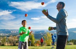 mathison family juggling apples